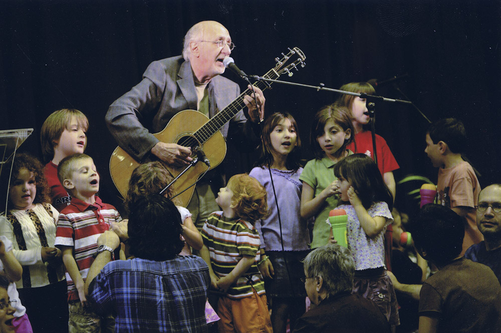 PETER YARROW W KIDS